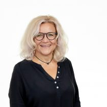 Porträt Alexandra Hertel, Rechtsanwaltsfachangestellte und Mitarbeiterin von Anwalt Helmut Bach von der Kanzlei Bach Wandner Haak Erfurt
